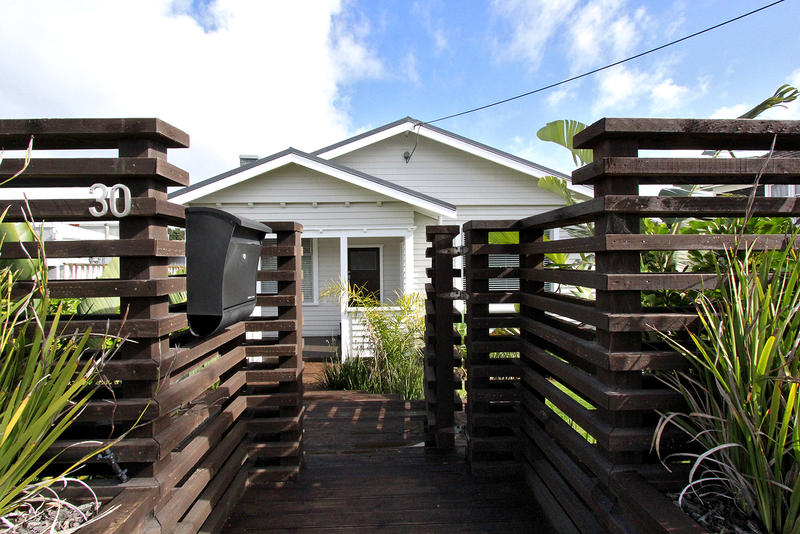 Open2view Id 296922 Property For Sale In Strandon New