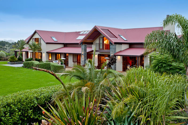 Open2view id 292610 property for sale in waitoki new for Luxury homes for sale new zealand